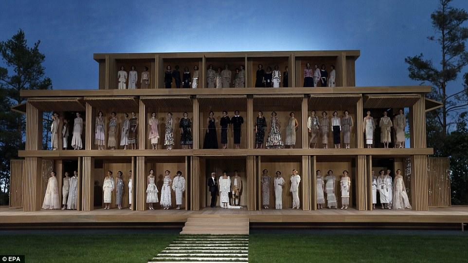 fashionshowdollhouse