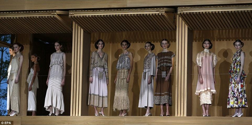 fashionshowdollhouse2